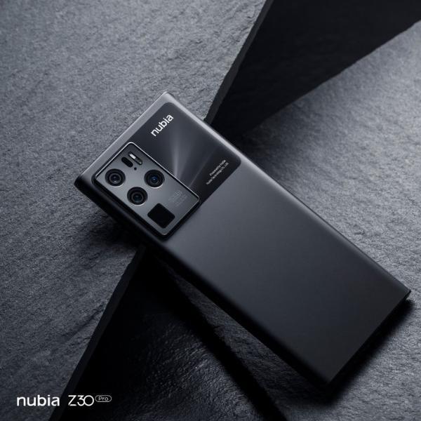 努比亚Z30 Pro浩瀚黑配色图片公布,低调大气