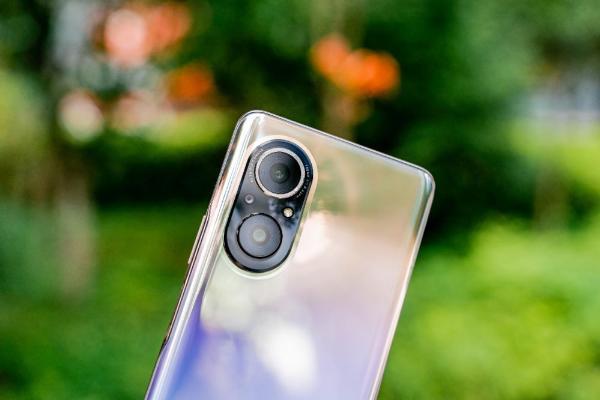 荣耀50SE上手体验:亿级像素,业界最窄边框直屏手机