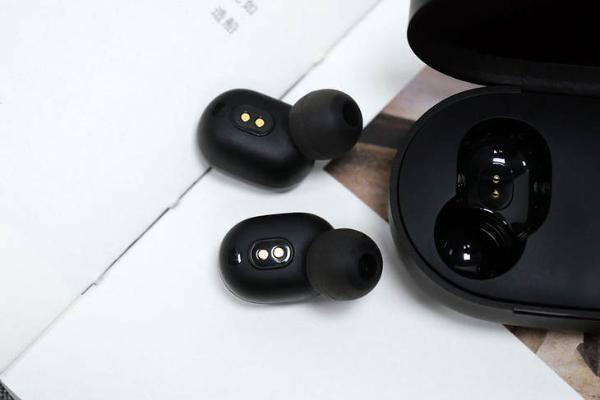 最近有那么多真无线耳机新品 选购时该关注什么?