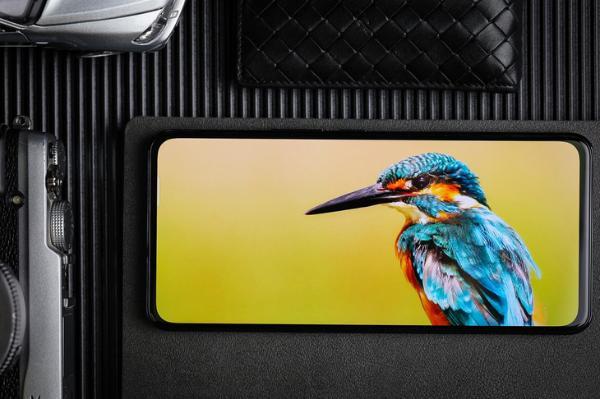 搭载第二代屏下摄像技术 中兴Axon 30 5G评测