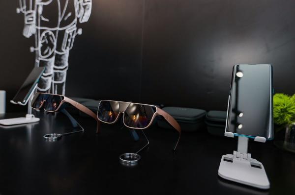OPPO亮相重庆智博会,首次展出MagVOOC磁吸闪充、车机互联等概念产品