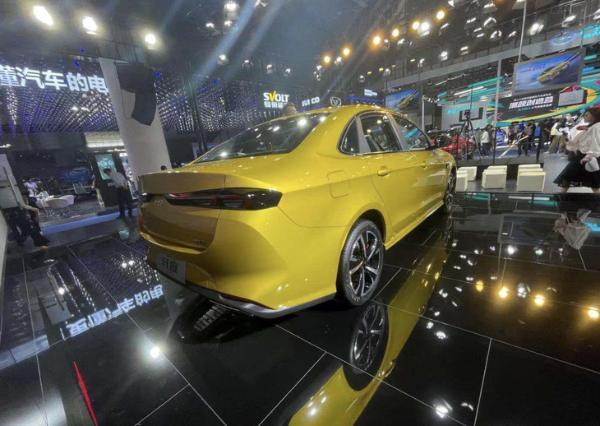 2021成都车展:家族首款运动轿车,凯翼轩度正式发布