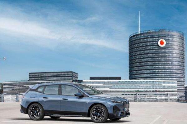 宝马和沃达丰合作 首次将5G和Personal eSIM网络集成到车辆中