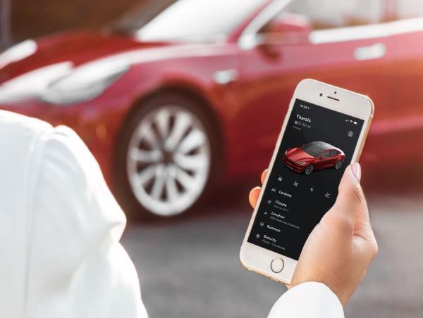 电动汽车,特斯拉,自动驾驶,特斯拉更新Autopilot,特斯拉Autopilot,Autopilot可在夜间探测到应急车辆并减速