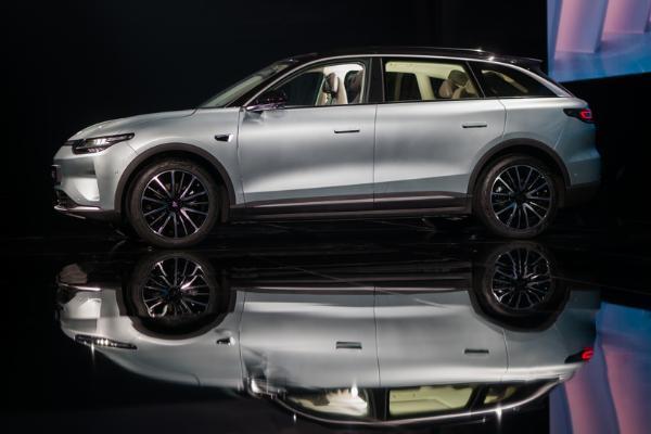 20万以内最能打的纯电SUV 零跑C11补贴后售15.98万起