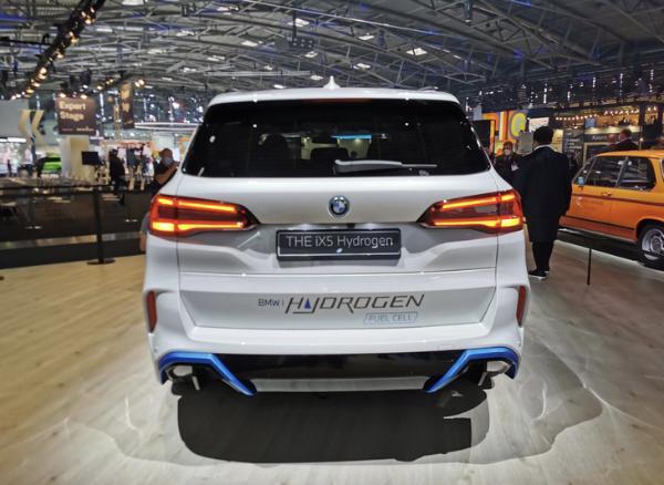 2021慕尼黑车展:宝马iX5 Hydrogen正式亮相