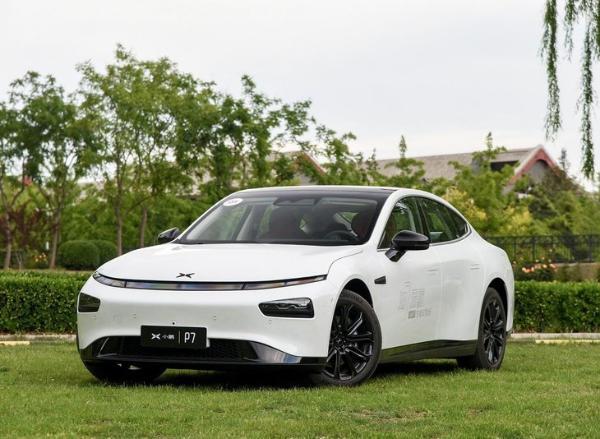 配置升级售价降低,小鹏P7两款新车型上市