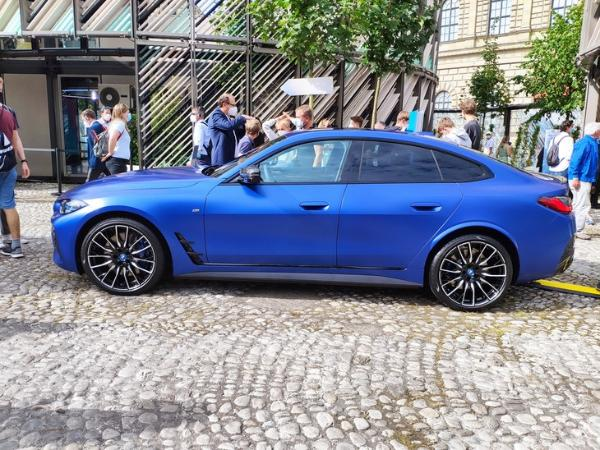 2021慕尼黑车展:宝马i4 M50首发亮相