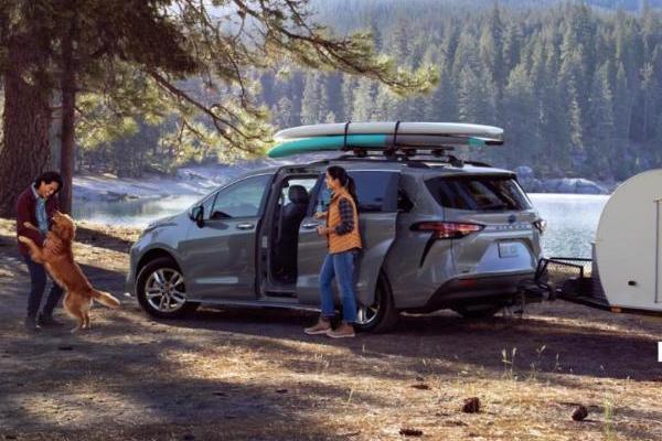 丰田自动驾驶出租车Sienna将于年底在美国上路