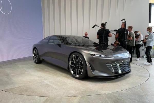 奥迪GRAND SPHERE概念车亮相 系列第二款概念车