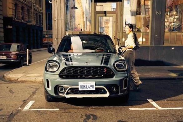 新款MINI COUNTRYMAN上市 6款车型 售价24.88万元起