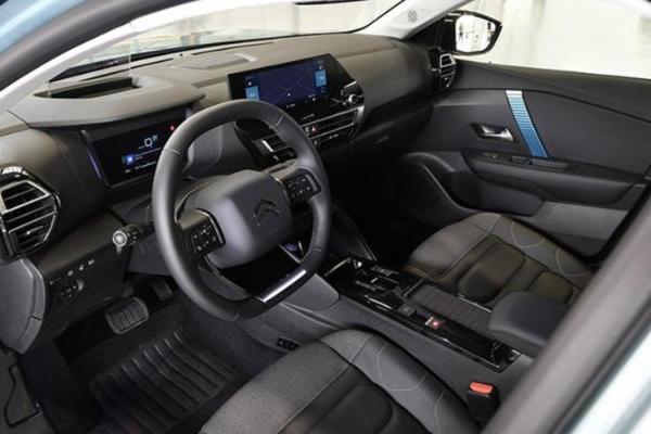 搭汽油/电动两种动力,新款雪铁龙C4官图曝光