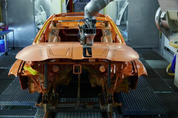 宝马开发出全新喷漆工艺 可定制车身颜色