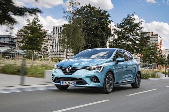 雷诺承诺每年在法国生产超过70万辆汽车