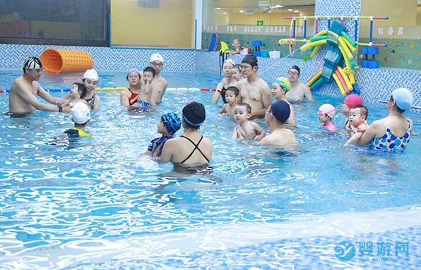别只把游泳当作玩乐对宝宝成长好多