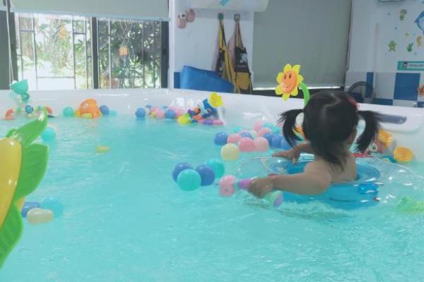 同样带宝宝游泳,不注意这三点差别还是挺大