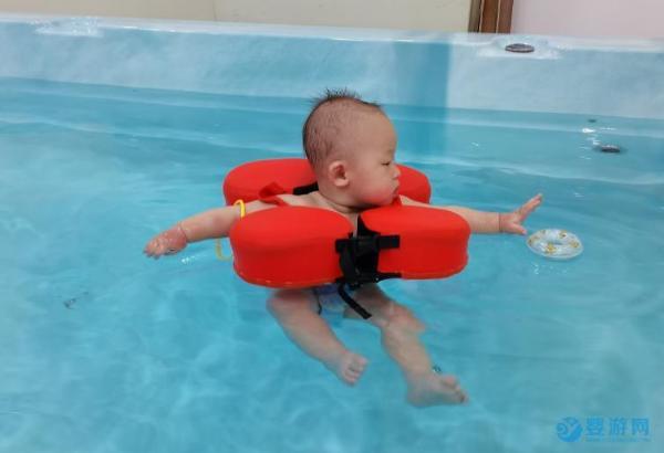 坚持半年带宝宝游泳就变化这么大
