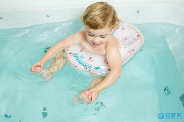 千万不要把婴幼儿游泳的结果和原因弄反了