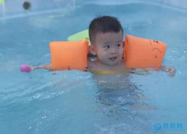 婴儿游泳都有那些好处