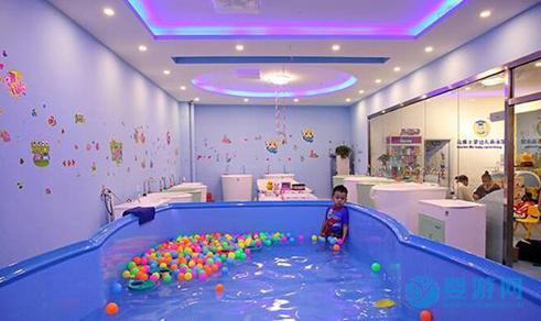 秋冬季开婴儿游泳馆是做好的时机吗