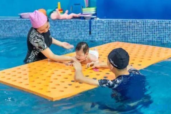双减政策下,少儿体育成创业新赛道,亲子游泳尤为火爆