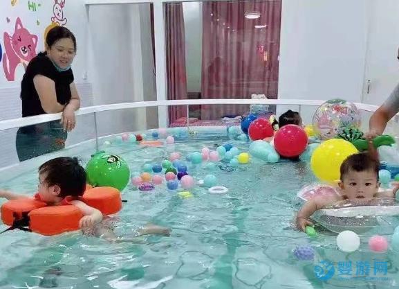 宝宝一次游泳的时间是多久