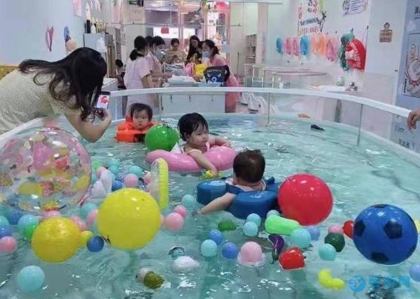 婴幼儿什么时候去游泳最好