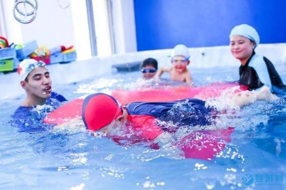 宝宝游泳建立六种强大的心理素质,超出常人想象