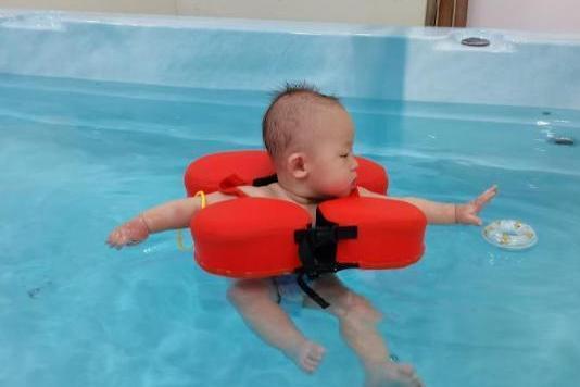 坚持半年带宝宝游泳就变化这么大,属实没想到