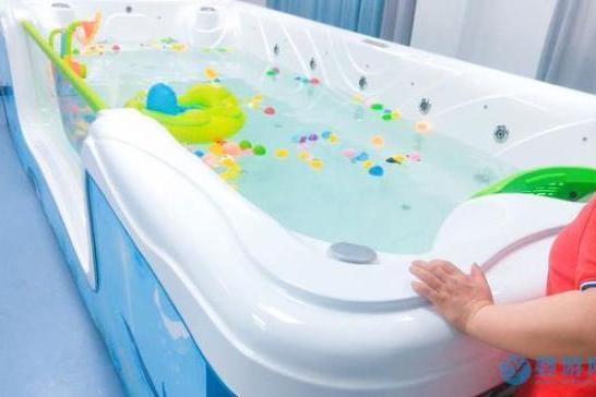 婴儿游泳馆要如何才能吸引更多消费者
