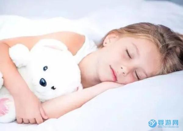 关于宝宝睡觉的时间和注意事项