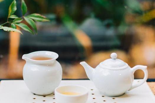 运动饮料怎么选?研究:锻炼前后喝茶,健身减肥效果更...
