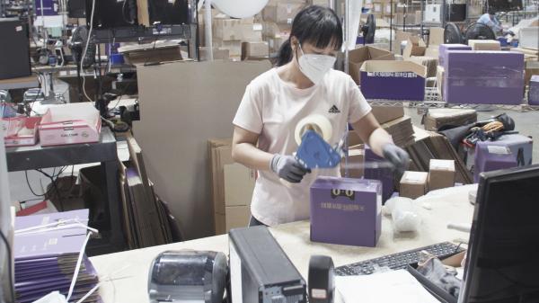 """不能出国的""""中国旅行团""""偏爱跨境直邮,天猫国际海外直购成交增长380%"""