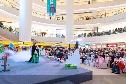 国庆假期北京商场单日客流破1000万人次 亲子、餐饮成消费热门