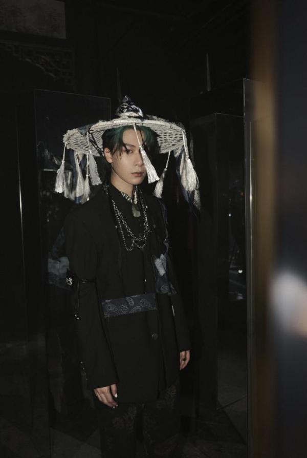 种梦音乐艺人FOX胡天渝最新单曲《枭雄》MV,霸气诠释豪迈中国风
