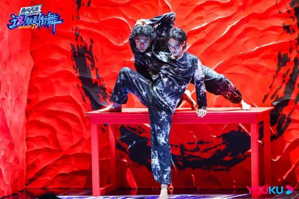 《这!就是街舞》韩庚刘宪华王一博张艺兴带队高能Battle