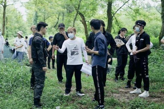 吴叶彬执导恐龙系列电影《龙林逃生2》杀青