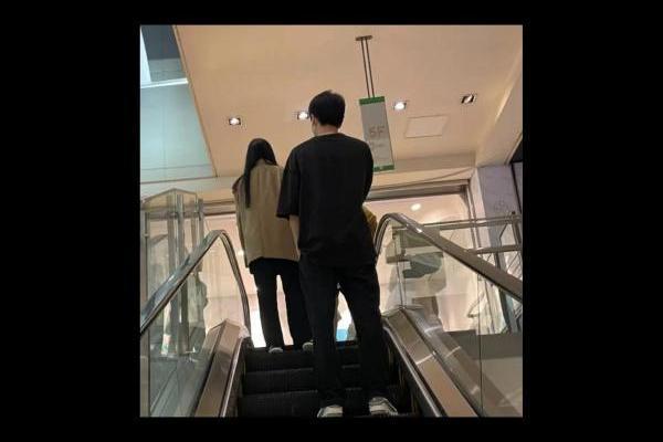 刘亦菲逛商场被偶遇 无滤镜照曝光五官精致颜值超能打
