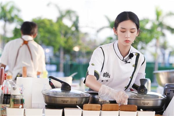 《中餐厅5》迎来姐姐惊喜做客 合伙人通力合作迎战终营日