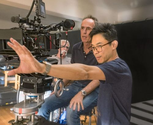 温子仁执导恐怖电影《致命感应》曝新剧照和工作照