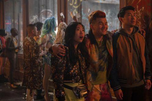 《尚气与十环传奇》超《黑寡妇》成2021年美国电影票房冠军