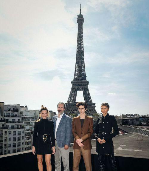 《沙丘》法国巴黎举行发布会 导演丹尼斯·维伦纽瓦携主演联系