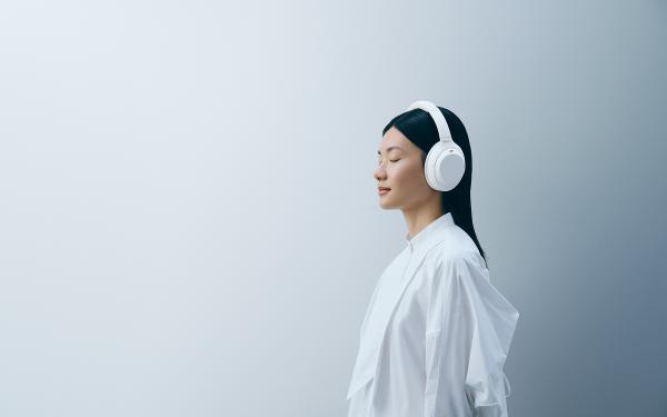 这个白真美!Sony无线主动式静谧白降噪耳机新登场,买就送HYDY大理石纹保温瓶