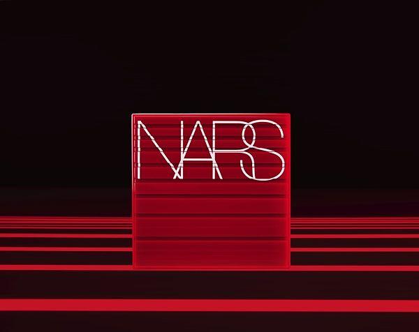 全新NARS持续煽情系列,最好上手的夜幕绿打造秋冬性感深邃眼眸!