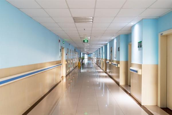 美国新冠死亡人数激增355%!研究发现:德尔塔变体使未接种新冠疫苗人群的住院风险增加一倍以上
