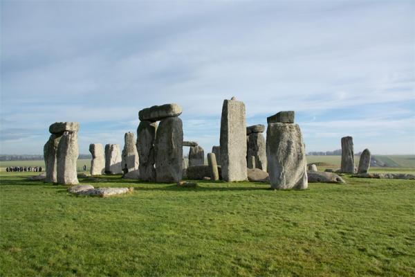 可追溯到11000多年前!土耳其沙漠中发现古老巨石圈,年代比英国巨石阵还要久远