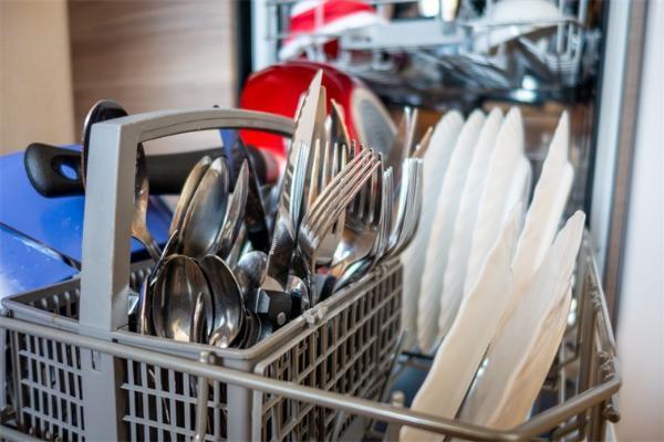 洗碗机销量暴涨!线下均价破7000元