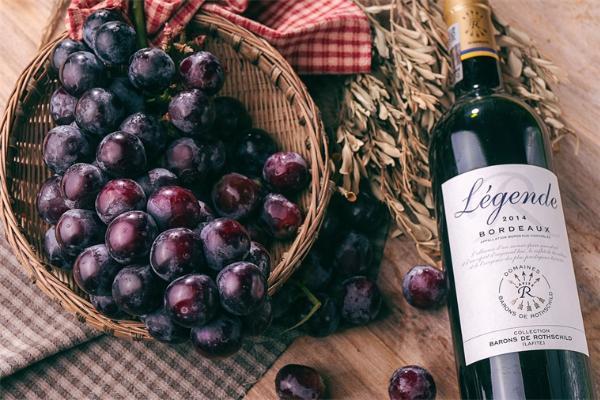 心太乱,心太乱,喝杯葡萄酒更会让你的心房迅速乱颤!