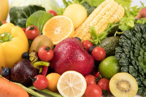 家长们注意!多吃水果和蔬菜的儿童心理更健康