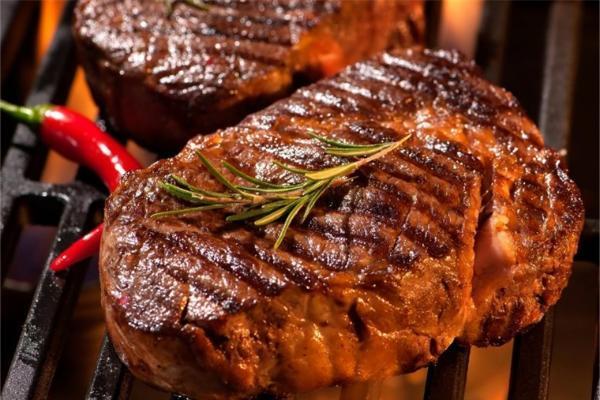"""""""肉食动物""""注意了!过多食用红肉可引发心脏疾病"""